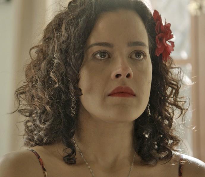 Domingas não segura as lágrimas (Foto: TV Globo)