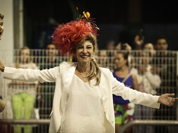 Marilia Pera surpreendeu a todos e veio no chão no desfile das campeãs. (Foto: Caio Kenji/G1)