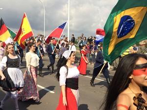 Bah: Desfile Farroupilha celebra tradi��es ga�chas na capital (Foto: Daniel Bittencourt/RBS TV)