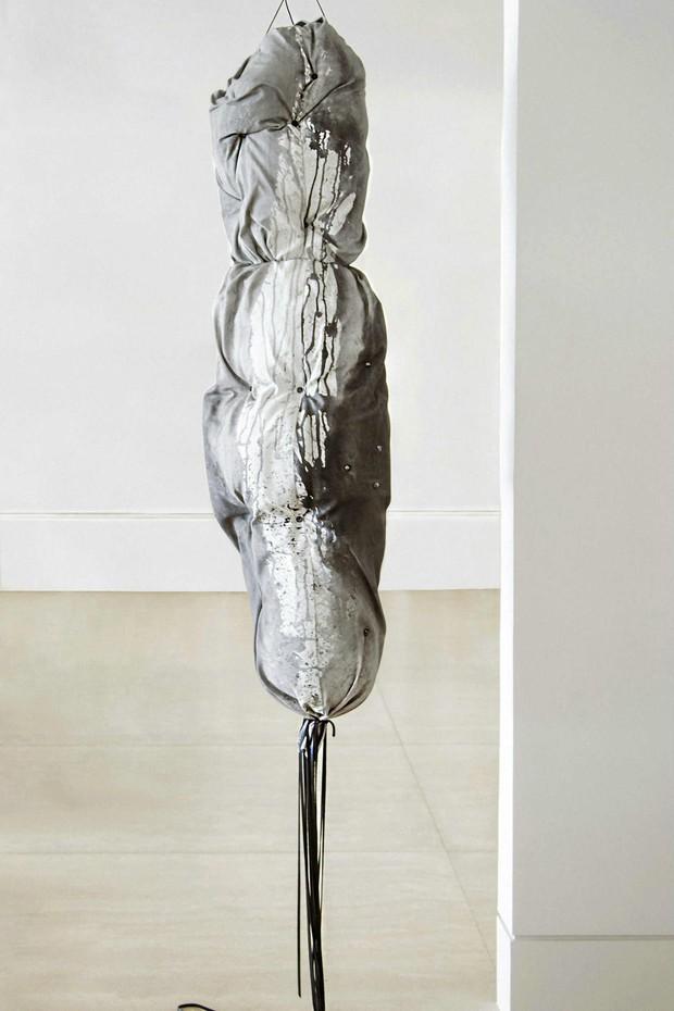 A escultura que figura entre as obras em exposição (Foto: Divulgação)