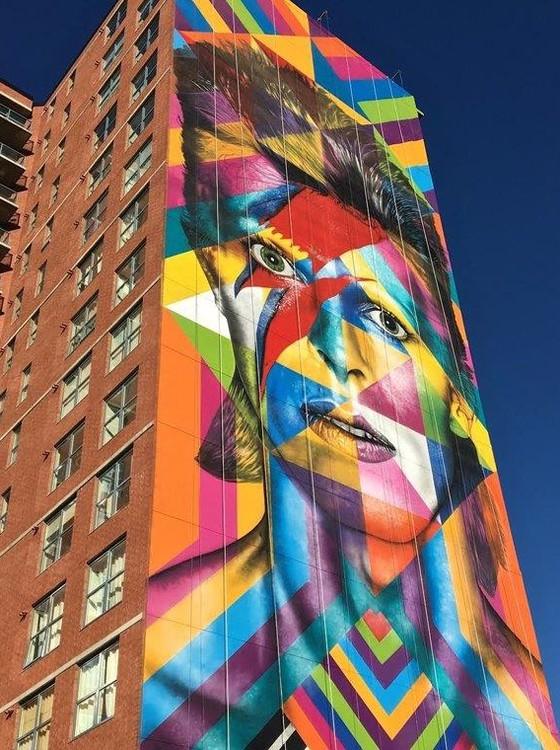 O mural de Kobra em homenagem a Bowie  tem 18 metros de largura por 60 metros de altura, foi feito com spray e tinta acrílica (Foto: Divulgação)
