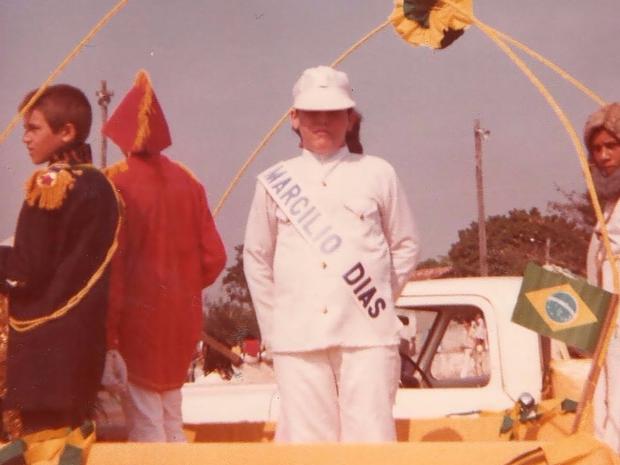Estudantes em desfile de 7 de setembro há 35 anos, em Tocantínia (Foto: Renato Franklin/Arquivo Pessoal)