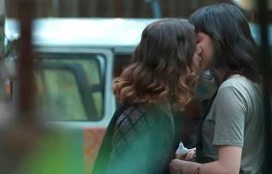 """O beijo entre a Giovanna e Manoela Aliperti em Malhação deu o que falar: """"Ainda confundem atriz e personagem"""" (Foto: Reprodução)"""