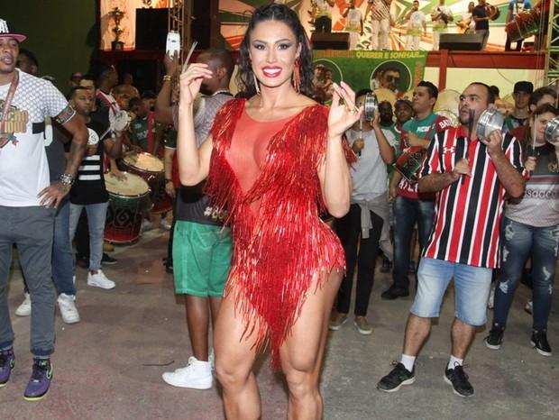 Gracyanne Barbosa em ensaio técnico da X-9 Paulistana (Foto: Paduardo / Phábrica de Imagens)
