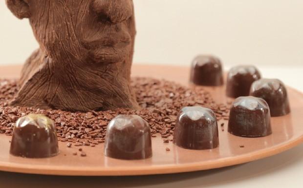 Que Seja Doce - Ep. 3 - Arte - Bombom de pistache com caramelo (Foto: Divulgao)