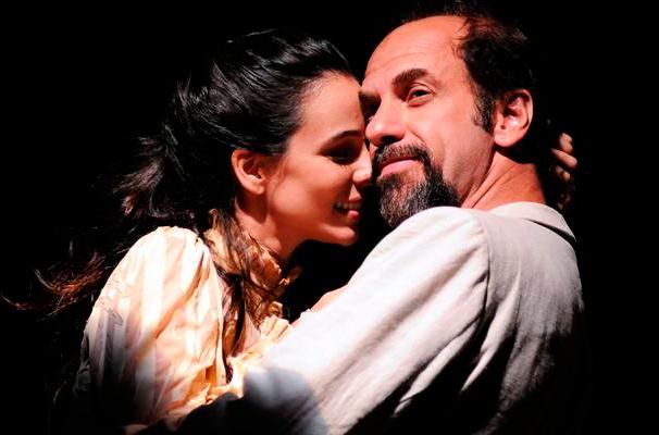 """Roberto Bomtempor e Miriam Freeland em """"Tomo suas Mãos nas Minhas"""" (Foto: Divulgação)"""