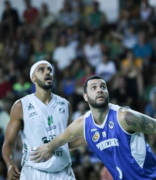 Bauru Basket x Pinheiros, NBB 9, Jefferson, Ansaloni (Foto: Caio Casagrande / Bauru Basket)