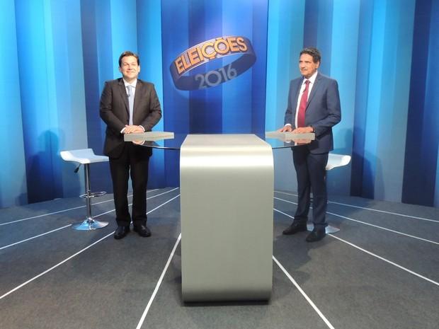 Geraldo Julio (PSB) e João Paulo (PT) participam do debate entre candidatos a prefeito do Recife, promovido pela TV Globo (Foto: Artur Ferraz/G1)