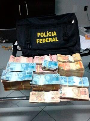 Grande quantia em dinheiro também foi apreendida durante a operação     (Foto: Divulgação/Polícia Federal do RN)