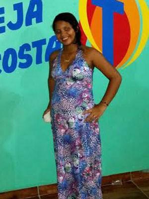 A paraense Sandriele Barbosa tem 15 anos e está grávida do segundo filho (Foto: Arquivo pessoal/Marcelo Silva)