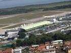 Em Florianópolis, falta espaço para passageiros no terminal aeroportuário