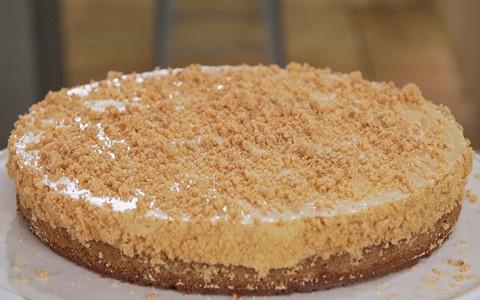 Torta mousse de doce de leite com paçoca