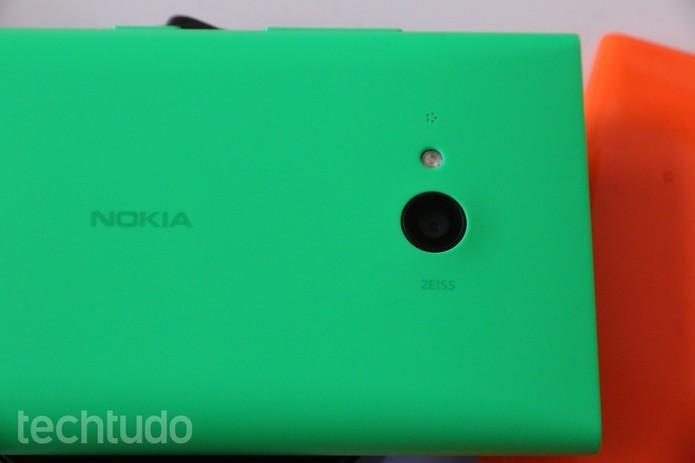 Lumia 730 vem com câmera para selfies (Foto: Fabricio Vitorino/TechTudo)