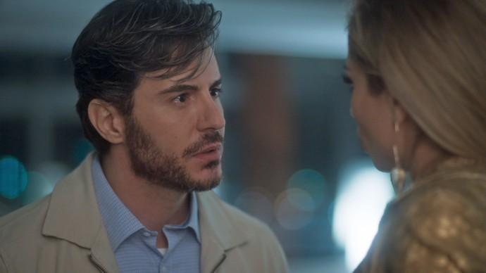 Augusto se encontra com Luciane (Foto: TV Globo)