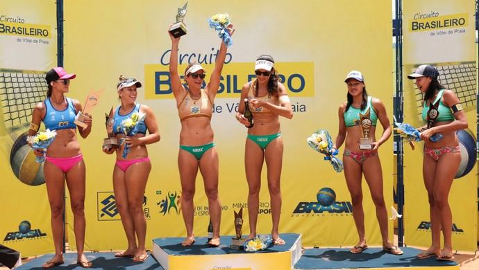 Dudá e Tainá celebram parceria de sucesso (Foto: Divulgação/CBV)