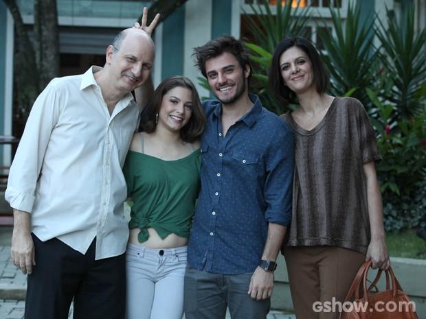 Hugo não perde a piada em nenhum momento (Foto: Pedro Curi / TV Globo)