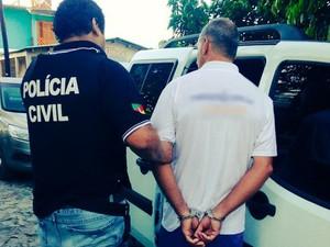 Deic prendeu suspeitos de roubo a veículos nesta sexta-feira em Sapucaia do Sul (Foto: Divulgação/Polícia Civil)