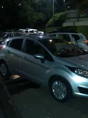 Carro recuperado após operação da BM em Porto Alegre (Foto: Reprodução/RBS TV)