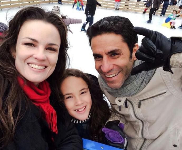 Carol e Maurício são pais de Cora, de nove anos (Foto: Arquivo pessoal)