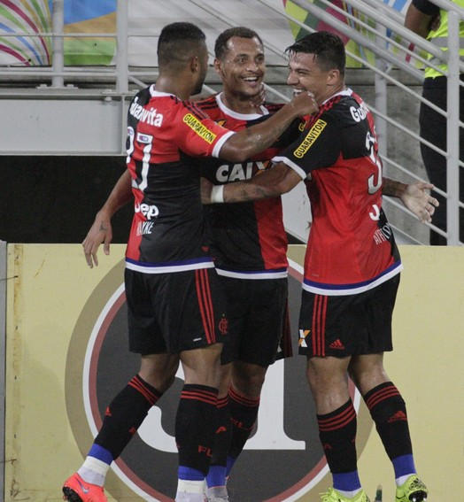 Rindo à TOA (Gilvan de Souza/ Flamengo oficial)