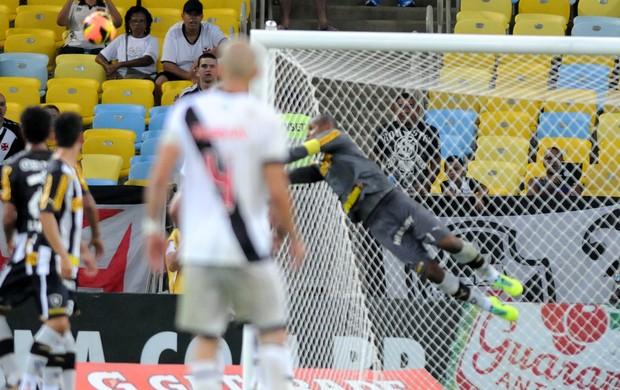 juninho pernambucano falta jefferson vasco x botafogo (Foto: André Durão)