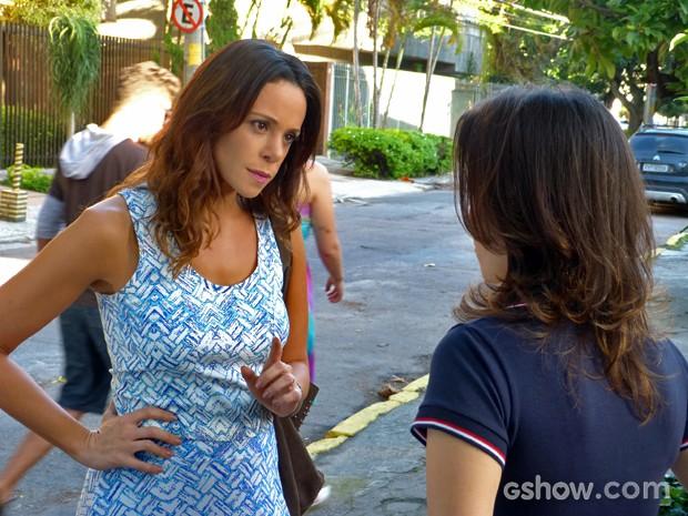 Juliana faz ameaça de morte na creche de Bia (Foto: Em Família/ TV Globo)