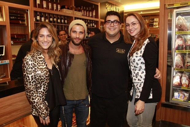 André Marques, Bruno Gagliasso e Giovanna Ewbank (Foto: Isac ...