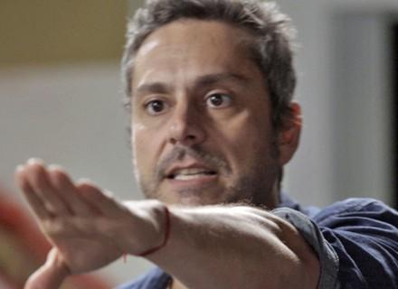 Romero descobre desconfiança de  Dante e resolve sair da facção