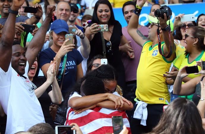 Will Claye pede namorada em casamento após conquistar prova do salto triplo (Foto: Reuters)