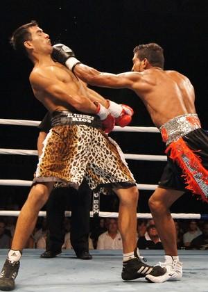 boxe Yamaguchi falcão e Martín Rios  (Foto: Thierry Goozer)