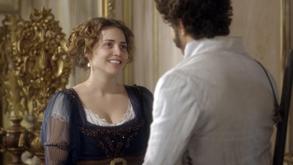 Leopoldina conversa com Pedro: 'Sei que não tenho sido uma boa esposa ultimamente. Tratei você muito mal e peço que me desculpe' (Foto: TV Globo)