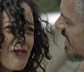 Na trama, Domingas é humilhada por Juca (Foto: TV Globo)