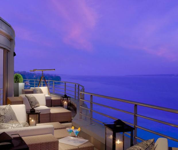 Com terraço panorâmico, de 1.680 m², a suíte Royal Penthouse ocupa o oitavo andar inteiro do hotel (Foto: Divulgação/Hotel President Wilson)