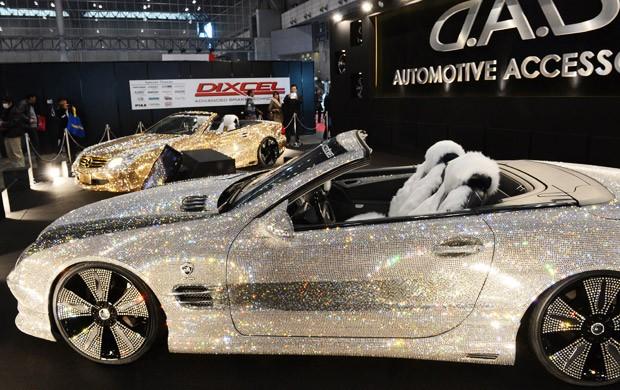 Mercedes-Benz com cristais Swarovski (Foto: Toshifumi Kitamura/AFP)