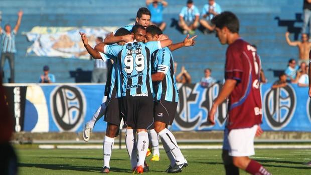 André Lima comemora gol do Grêmio (Foto: Lucas Uebel/Divulgação/Grêmio)