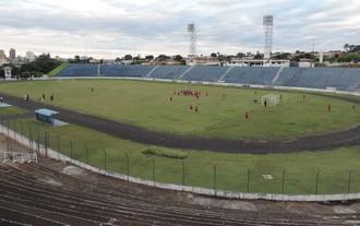 Estádio Sílvio Salles, Catanduva, treino, Oeste (Foto: Sérgio Pais)