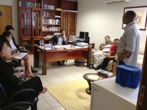 Os índigenas se reuniram com representantes do MPF no Amapá (Foto: Carla Ferreira)