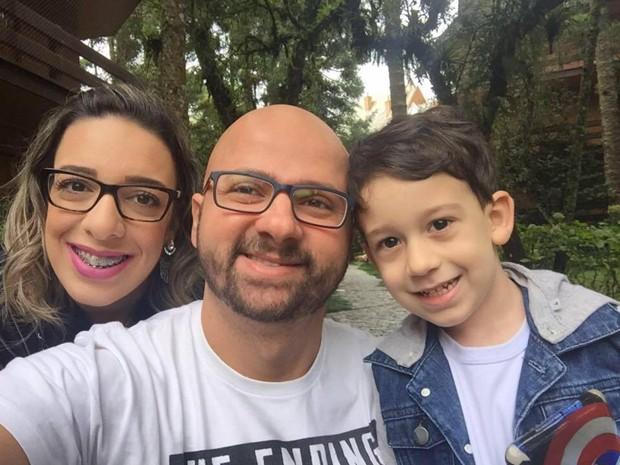 Leandra com a família (Foto: Reprodução/Facebook)