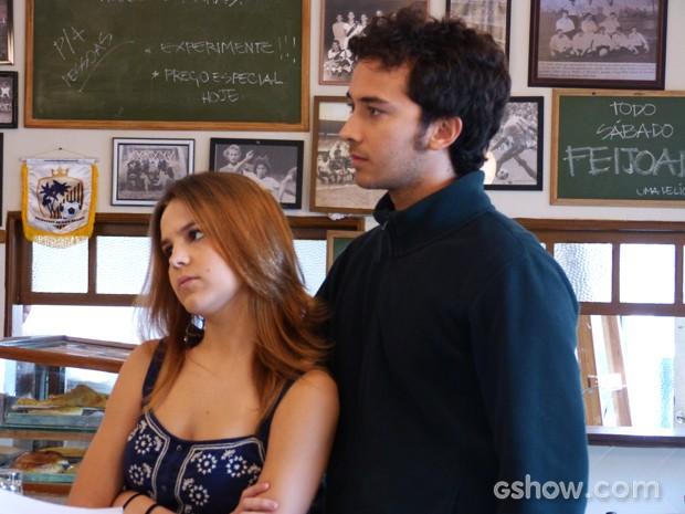 Ben e Anita não aceitam muito bem a resposta dos pais (Foto: Malhação / TV Globo)