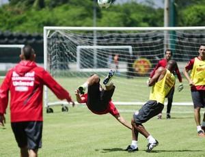 Inter treina na Ilha do Retiro (Foto: Alexandre Lops/ Divulgação)