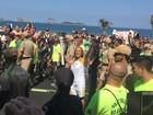 Helô Pinheiro conduz tocha olímpica no Rio ao som de 'Garota de Ipanema'