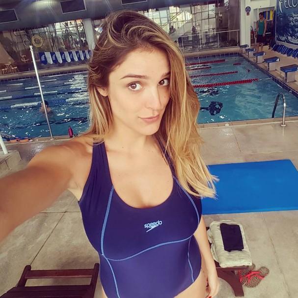 Em aula de natação durante a gravidez (Foto: Reprodução Instagram)