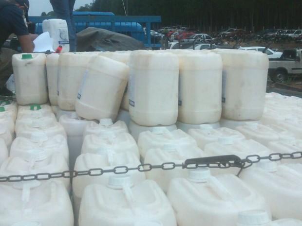 Material foi entregue para equipe do Idaron de Vilhena (Foto: PRF/ Divulgação)