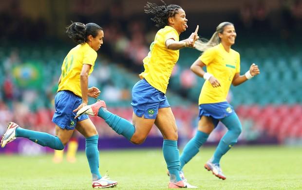 Comemoração renata - Brasil x Camarões (Foto: Getty Images)