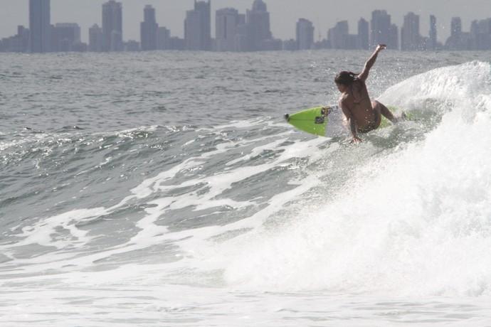 Silvana Lima treinando em Snapper Rocks, Gold Coast, nesta quinta-feira (Foto: Divulgação)