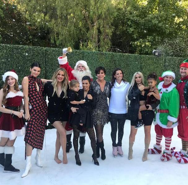 Kardashians em retrato para o Natal 2017 (Foto: Reprodução Instagram)