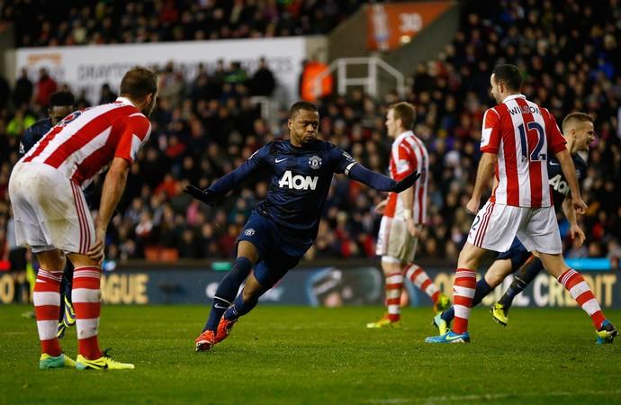 Evra comemora, Stoke City x Manchester United (Foto: Reutes)