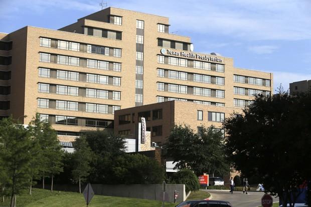 Hospital Texas Health Presbyterian, onde paciente americano foi diagnosticado com ebola nesta terça-feira (30) (Foto: AP Photo/LM Otero)