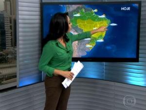 Izabella Camargo traz a previsão do tempo no Bom Dia Brasil  (Foto: Reprodução/ Rede Globo)