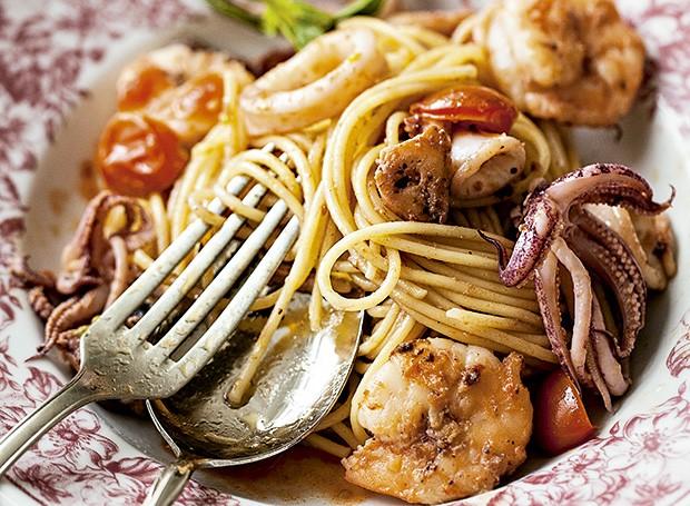 Spaghetti frutti di mare in bianco